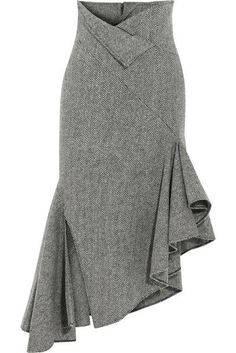 Grey tweed mermaid skirt with assymetrical side ruffles - Classy Fashion - Jupe Skirt Outfits, Dress Skirt, Cool Outfits, Jupe Short, Modelos Fashion, Look Fashion, Fashion Design, Classy Fashion, Fall Fashion