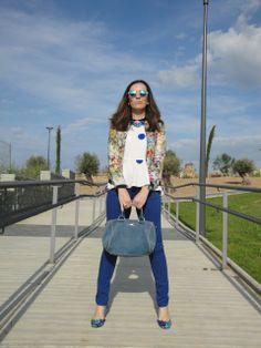 hoy en el blog, el post lo dedico al color azul y a la ropoa primaveral! www.modaenprovincias.blogspot.com