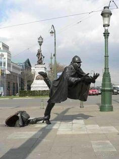 Sculpture by Tom Frantzen outside the Communauté Française building in Brussels, Belgium