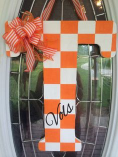 University of Tennessee Football Wood door or wall hanger Power T by HugsnMuah on Etsy Tennessee Volunteers Football, Football Crafts, Tennessee Football, Football Wreath, Tennessee Girls, Initial Door Hanger, Door Hangers, Wall Hanger, Vol Nation