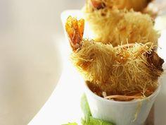 Shrimps im Nudelmantel frittiert ist ein Rezept mit frischen Zutaten aus der Kategorie Garnelen. Probieren Sie dieses und weitere Rezepte von EAT SMARTER!