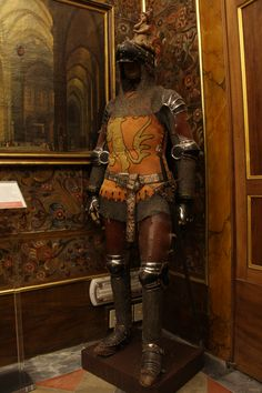 Nice rare armour, with lots of leather over mail