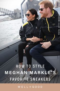 In breaking Meghan Markle fashion news: The Duchess of Sussex wore her first pair of sneakers to a royal function on October Here's all the intel on the eco-friendly French brand Veja. Meghan Markle Yoga, Meghan Markle Style, Yoga Fashion, Fitness Fashion, Fashion News, Athleisure Fashion, Athleisure Outfits, Cardio Barre, Pilates