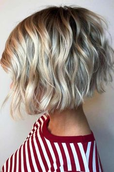 layered bob hairstyles Waterfall Waves See the ways on how to get easy wavy hair styles 2018 prepared for you! Here you can find a trendy pixie with layers, bob with bangs, and lots of cool wavy cuts for women. Stacked Bob Hairstyles, Bob Hairstyles For Thick, Hairstyles Haircuts, Celebrity Hairstyles, Wedding Hairstyles, Womens Bob Hairstyles, Cute Bob Haircuts, Short To Medium Hairstyles, Short Layered Bob Haircuts