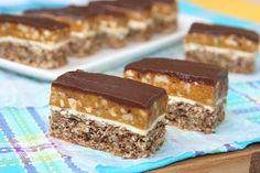 Sweet Recipes, New Recipes, Cake Recipes, Dessert Recipes, Romanian Desserts, Romanian Food, Snickers Cake, Delicious Desserts, Sweet Treats