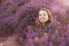 Fotoshoot op de paarse heide - Brenda Roos Fotografie   Fotograaf   Lelystad   Gezin   Kind   Familie