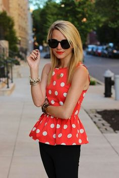 Polka dot peplum -cute outfit - reminds me of Minnie mouse! Fashion Mode, Look Fashion, Fashion Beauty, Luxury Fashion, Womens Fashion, Mode Style, Style Me, Preppy Style, Top Mode