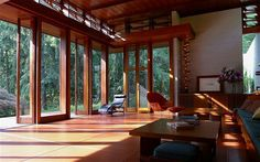 Frank Lloyd Wright house on market for $1.5 million - but it must ...