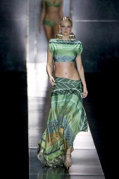 Com Isabeli Fontana, Água de Coco mostra biquínis e moda praia - Terra Brasil