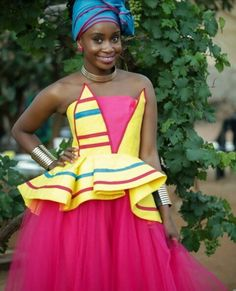 African Print Dress Designs, African Prints, Blouse Designs, Ethnic Fashion, African Fashion, Fashion Women, African Traditional Dresses, Traditional Wedding Dresses, African Attire