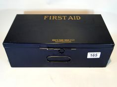 165) Vintage Boots First aid box in fine condition Est. £15-£20