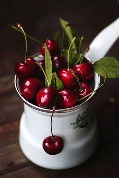 Cherry day by Katie V(okki Laine) - Photo 155661921 - Fruit And Veg, Fruits And Vegetables, Vegetable Pictures, Cherry Baby, Cherries Jubilee, Fruit Photography, Sweet Cherries, Delicious Fruit, Still Life