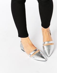 Discover a range of Ballet shoes at ASOS. Shop our collection of ballet pumps, ballet slippers and shoes at ASOS. Ballerinas Outfit, Ballerina Shoes, Ballet Flats, Crazy Shoes, Me Too Shoes, New Shoes, Flat Shoes, Pretty Shoes, Beautiful Shoes