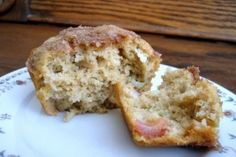 Oatmeal Applesauce Muffins: no fat no sugar whole wheat flour. 92 calories