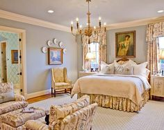 french bedroom decor Both Simple and Luxurious Applications in French Bedroom Decor