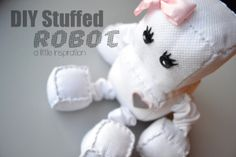 Stuffed Robot Tutorial Easy Sewing Projects, Sewing Tutorials, Sewing Patterns, Plushie Patterns, Fabric Hearts, Heart Template, Plushies, Softies, Red Fabric