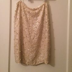 """Perfect for NYE!!! Silk, sequin J Crew skirt Perfect for NYE!!! Silk, sequin J Crew skirt. I'm 5'4"""" and it falls just at my knees. Small slit in the back. Silk lined. J. Crew Skirts Pencil"""