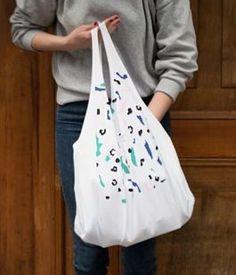 Tutoriel DIY: Coudre un sac besace à partir d'un T-shirt via DaWanda.com