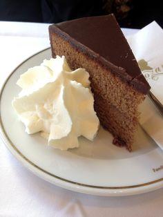 ** Café Mozart : Sacher Torte