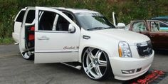 Custom Bagged Cadillac Escalade on 28's - Big Rims - Custom Wheels
