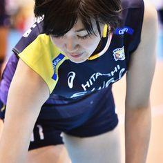 写真の説明はありません。 Women Volleyball, Volleyball Players, Sport Girl, Athlete, Fitness, Japanese, Sports, T Shirts For Women, Ships