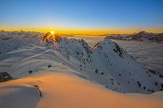 Sundown at the Alps of Montafon (Vorarlberg, Austria) at a beautiful winterday with fog a the valley. Chile, Bergen, Winter Sunset, Alps, Wander, Mountains, Travel, Beautiful, Sunset