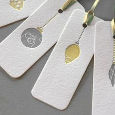 Basic, but sophisticated design—Christmas ornament gift tags—great color combinations❣