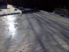 Step-by-step video: How To Build A Backyard Ice Rink (cheap and easy) Backyard Hockey Rink, Backyard Ice Rink, Outdoor Rink, Backyard Retreat, Hockey Mom, Hockey Stuff, Skating Rink, Figure Skating, Winter Fun
