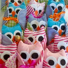 Small soft toys ideal for baptism favors .handmade soft toys for many occasions Handmade Soft Toys, Baptism Favors, Softies, Christening, Sewing Projects, Owls, Party, Lab, Gifts