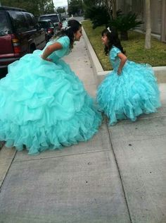 If I had a little sister this would be a perfect quinceañera picture