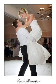 Wedding photographs of Tim & Sarah - Lythwood. Professional wedding photography by Durban wedding photographer Kevin Bender Professional Wedding Photography, Wedding Venues, Wedding Inspiration, Wedding Dresses, Beautiful, Fashion, Wedding Reception Venues, Bride Dresses, Moda
