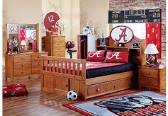 University of Alabama bedroom. Would love this more if it was all UGA stuff