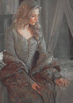 Ainna Hawthorne, in human form Princess Aesthetic, Fantasy, Female Characters, Character Inspiration, Renaissance, Fairy Tales, Ideias Fashion, Queen, Cosplay