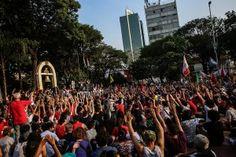 Vamos lá manifestantes: pouco a pouco, de centavo em centavo,  vamos mudar o Brasil! de pou Uma assembleia pré-ato decidiu o trajeto (Foto: Mídia Ninja)