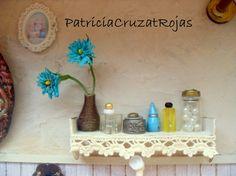Patricia Cruzat Artesania y Color: Baño Rustico con miniaturas, en un cuadro para regalo de matrimonio