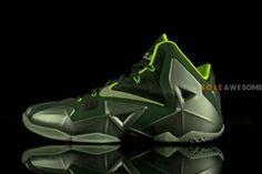 NIKE LEBRON XI DUNKMAN #sneaker