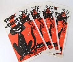 off Sale Vintage Halloween Treat Bags Black Cat Set of Four Halloween Treat Bags, Halloween Night, Happy Halloween, Vintage Halloween Images, All Falls Down, Trick Or Treat Bags, Vintage Fall, Hallows Eve, Tilt
