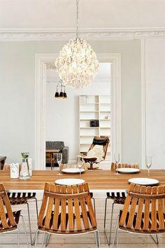 Bolig til salgs Conference Room, Dining Table, Real Estate, Inspiration, Furniture, Home Decor, Biblical Inspiration, Decoration Home, Room Decor