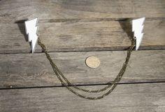 Blitz-Bolzen Pullover / Halsband Kette Broschen / Pins / Clips