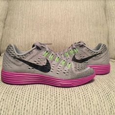 NIKE LUNARTEMPO running shoes NIKE LUNARTEMPO grey/purple/green Brand new pair in Nike half box(no lid) I wear size 8 and when I put them on they were very fitted so I'm selling and looking for some 8.5 Nike Shoes Athletic Shoes