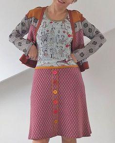 """Mein Kleid Nummer 2 fürs #lillestofffestival2016 . Das """"sonntagskleid"""". Das Oberteil ist aus #tivoli der in Kürze erscheint und das Rockteil ist aus #raute'n'dots #susalabimjacquard ... Mehr zum Kleid gibts heute im Blog"""