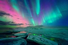 Aurora is also known as Northern lights or Southern lights are natural lights which display in Earth's sky during Night time, mainly seen in Arctic & Antarctic region. Natur Wallpaper, Hd Wallpaper, Desktop Wallpapers, Beautiful Sky, Beautiful Places, Northern Lights Iceland, Natural Phenomena, Pics Art, Night Skies