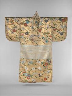 Стена | ВКонтакте  Вторая половина XVIII века. Костюм театра Но. Мотив бабочек пришел в Японию из Китая.