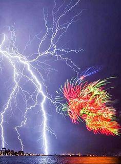 Multiple lightning strike Australia
