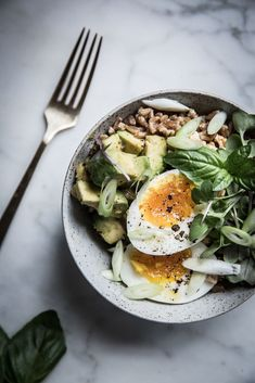 Farro avocado breakfast bowl with sumac miso vinaigrette by Beth Kirby of Local Milk Blog. This breakfast bowl is healthy topped with egg and the perfect vegetarian breakfast!