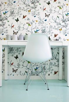 Pretty bird and butterfly wallpaper in this behind this simple white desk and Eames chair Butterfly Wallpaper, Of Wallpaper, Designer Wallpaper, Amazing Wallpaper, Interior Wallpaper, Graphic Wallpaper, Office Wallpaper, Modern Wallpaper, Interior And Exterior