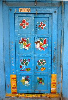 "This is a 500 year old door in Sadashiv Peth, Pune, Maharashtra, India. - photo by A Vivid World, via Flickr  (""Nila Darwaja"")"