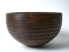 Wood Turning Projects - What Is a Beginner Wood Turner to Do? Wood Turning Projects, Lathe Projects, Wood Supply, Wood Bowls, Wood Lathe, Plates And Bowls, Wood Sculpture, Wood Species, Crafts To Do