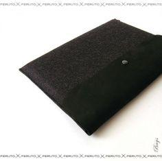 MacBook Air sleeve or Macbook Pro sleeve BLACK BASIC by FERUTOBags