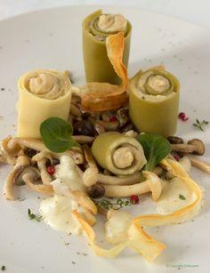 Pastarolletjes met schorsenerencrème, beukenzwammen, wittewijnsaus en chips van schorseneren - Dishcover